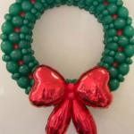 Corona navideña decoración con globos