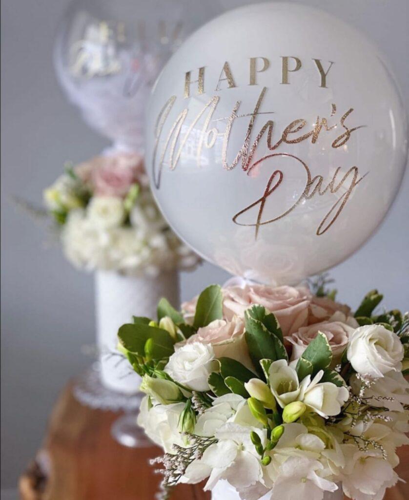 globos personalizados y flores para mama toluca
